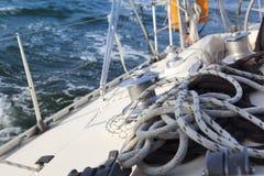 Segel-Boots-Handkurbel/yachting stockfoto