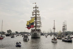 Segel in der Parade Amsterdam 2015 das Guayas Lizenzfreie Stockbilder
