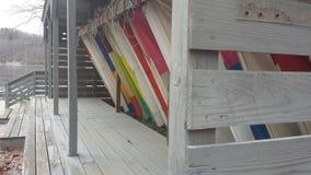 Segel, die auf den Wind warten Stockbilder
