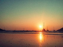 Segel zur Sonne Stockfoto