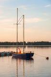 Segelbåt på en pir Fotografering för Bildbyråer