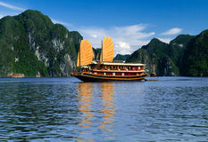 segelbåt vietnam Arkivfoto