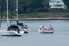 Segelbåtar i nya Keyport - ärmlös tröja Arkivbilder