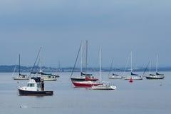 Segelbåtar i nya Keyport - ärmlös tröja Royaltyfria Foton