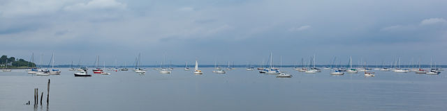 Segelbåtar i nya Keyport - ärmlös tröja Fotografering för Bildbyråer
