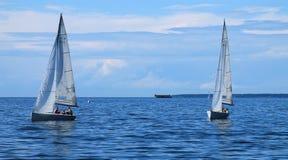 Segelbåtar på havet Royaltyfria Foton