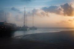 Segelbåtar på port Royaltyfria Bilder