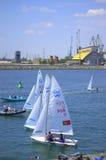 Segelbåtar som startar för lopp Arkivbilder