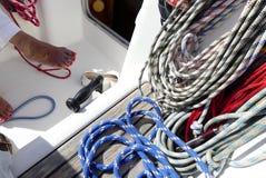 Segelbåtdäck på segling Fotografering för Bildbyråer