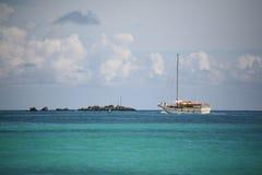 segelbåthavstha Royaltyfri Foto