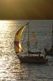 segelbåtsolnedgång Royaltyfri Bild