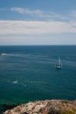 Segelboot am Anker Lizenzfreies Stockbild