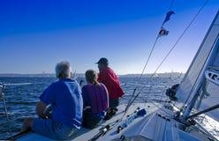 Segelboot-Besatzung lizenzfreie stockfotografie