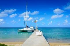 Segelboot-Dock - Jamaika Stockbild