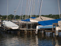 Segelboot gleitet voll Lizenzfreies Stockbild