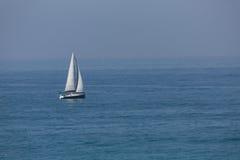 Segelboot im Mittelmeer Ashkelon Israel Stockfotos