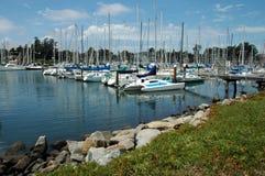 Segelboot-Jachthafen stockbild