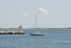 Segelboot an Provincetown-Hafen Stockfotografie