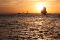 Segelboot-Sonnenuntergang 2 Lizenzfreies Stockbild