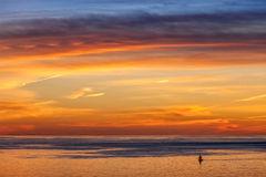Segelboot und Sonnenuntergang Lizenzfreies Stockfoto