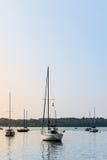 Segelbootbucht stockfotografie
