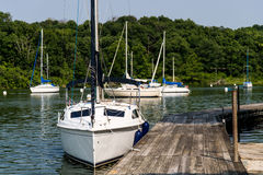 Segelbootbucht stockfoto