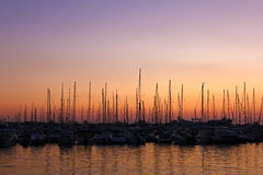 Segelboote auf dem Parken Stockfotos