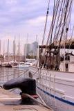 Segelboote am des Barcelonas Hafen Lizenzfreies Stockbild