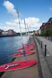 Segelboote, die auf Studenten warten Lizenzfreie Stockbilder