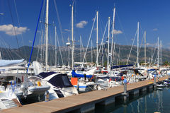 Segelboote am Dock Lizenzfreie Stockfotografie