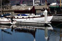 Segelboote im Liegeplatz bei Marina San Francisco Bay Stockfoto