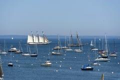 Segelboote und Yachten bei Rockland, Maine lizenzfreie stockbilder