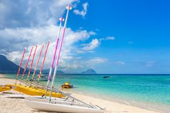 Segelboote am Wolmar-Strand mauritius Stockbild