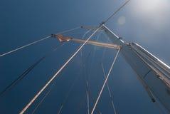 Segelbootmast Stockfoto
