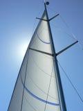 Segelbootmast und -takelung Lizenzfreies Stockfoto