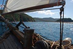 Segelbåtdetaljer och Sanktt John, karibiska öar Arkivbilder