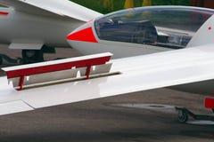 Segelflugzeug mit Bremsen heraus Lizenzfreie Stockbilder