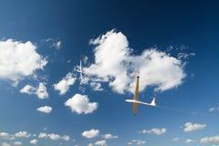 Segelflugzeuge in der Luft Lizenzfreie Stockbilder