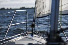 Segeljachttakelungsausrüstung: Hauptblattreisend-Blocknahaufnahme Lizenzfreies Stockfoto