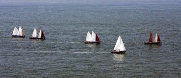 Segeln auf Meer Lizenzfreies Stockfoto