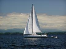 Segeln auf See Champlain vor Burlington Stockbild