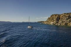 Segeln in das saronic Meer lizenzfreie stockbilder