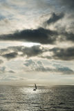 Segeln in dem Meer Lizenzfreie Stockfotos