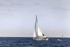 Segeln in die Karibischen Meere Stockfotos