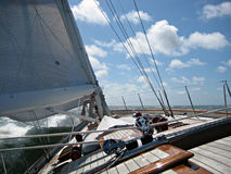 Segeln mit einem schönen klassischen Schiff auf dem Golf von Biskaya Stockfotografie