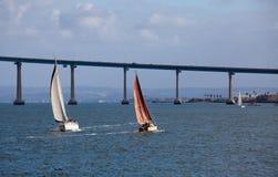Segeln in San Diego Schacht Lizenzfreies Stockfoto