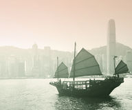 Segeln Victoria Harbor in Hong Kong Stockfotografie