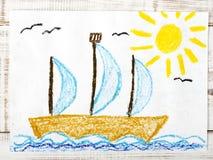 Segelnboot im Meer Stockfotos