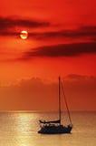 Segelnboot im Mittelmeer stockfoto