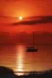 Segelnboot im Mittelmeer stockbild